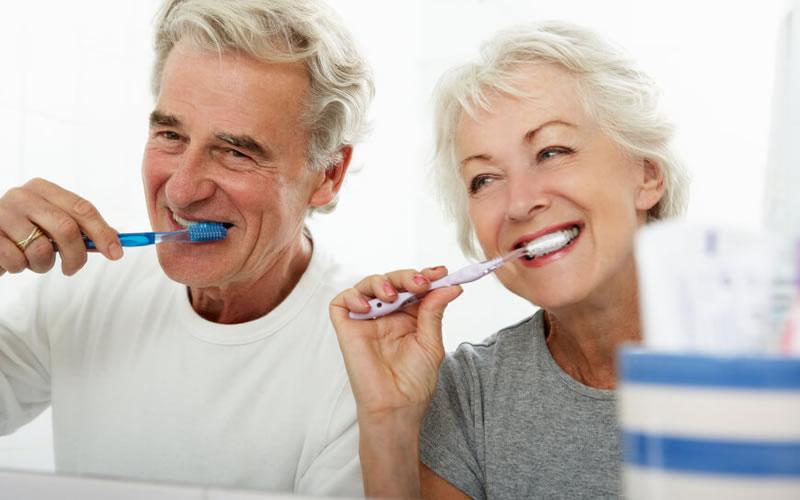 Diş İmplantlarının Dayanıklılık Süresi Ne Kadardır?