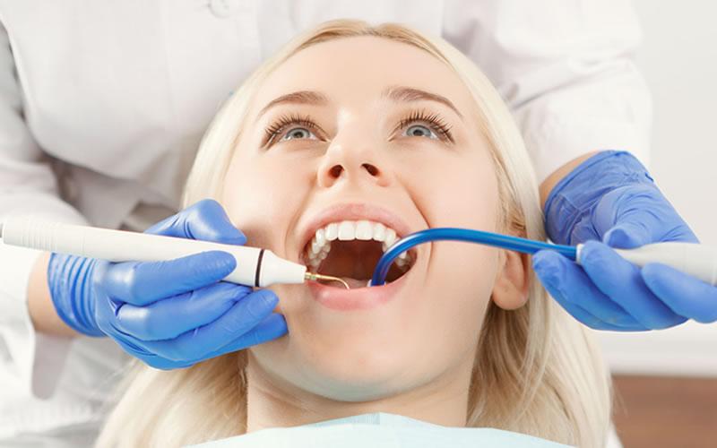 Diş İmplantının Diğer Yöntemlerden Farkı Nedir?