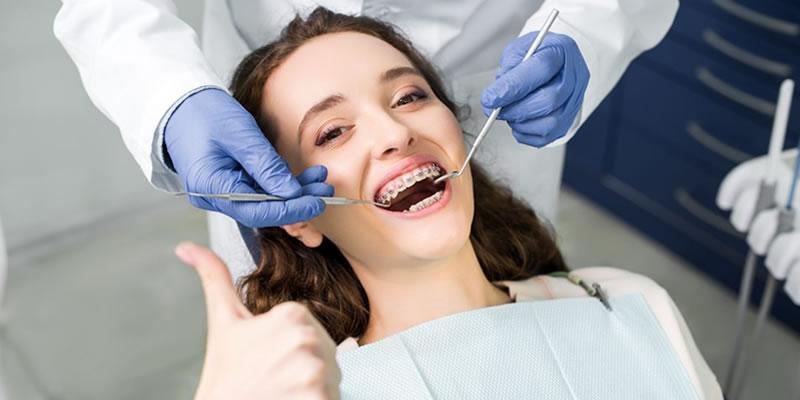 Dişlerdeki Çarpışıklıklar Tedavi ile Düzelir mi?